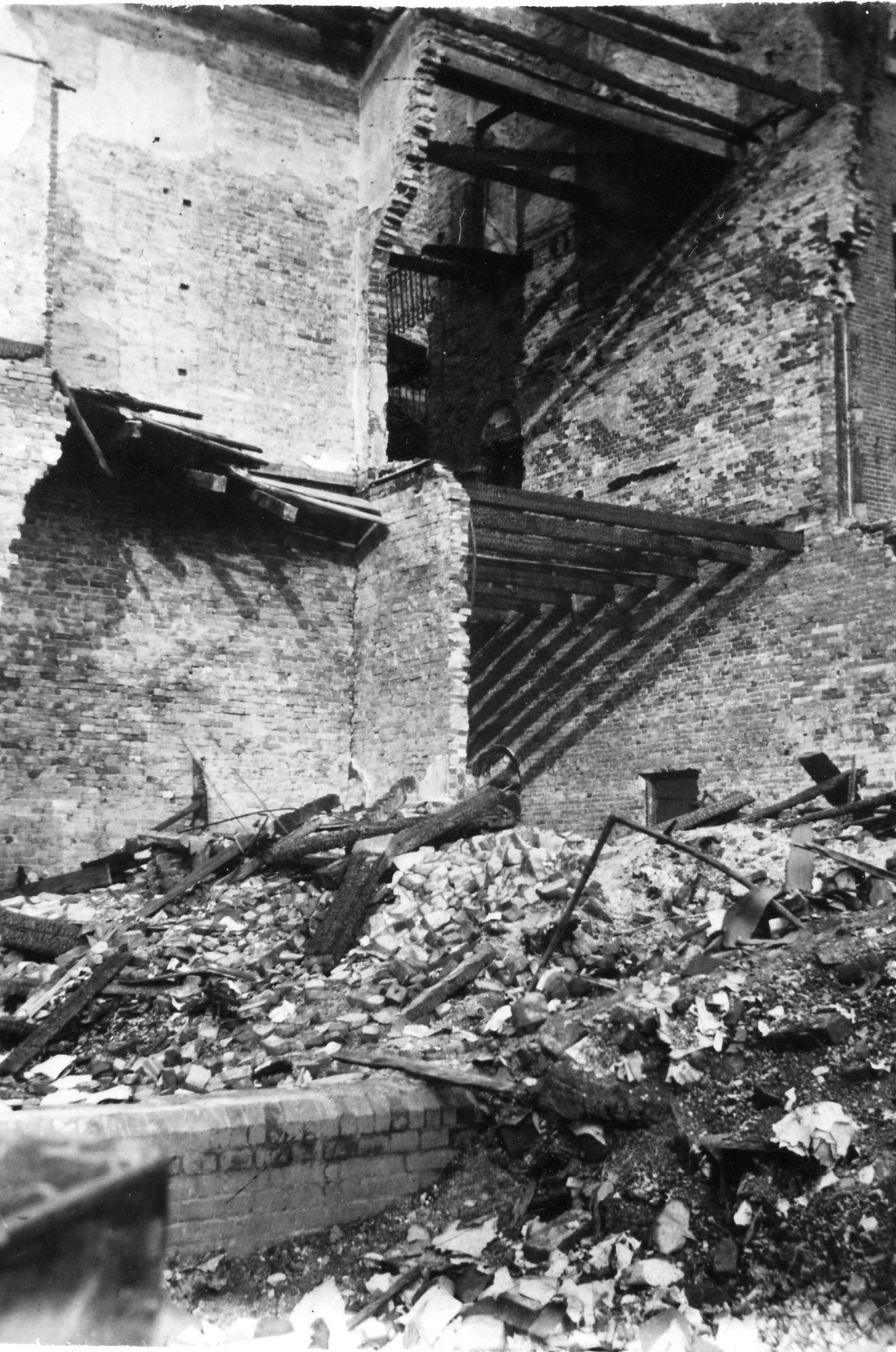 Aanslag op Arbeidsbureau Zaandam, 19-6-1943 (eigendom Ronald Bouwknegt, Castricum)
